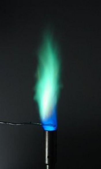 256px-Flametest-Cu.swn_-179x300