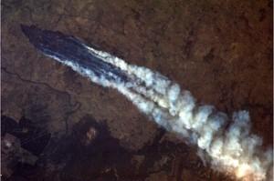 A brushfire near Burrinjuck Dam in New South Wales, Australia. Credit: Chris Hadfield/NASA